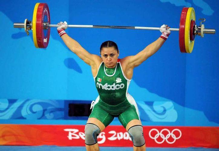 La pesista mexicana Damaris Aguirre podría ganar un bronce olímpico con ocho años de retraso. (mexsport.com)