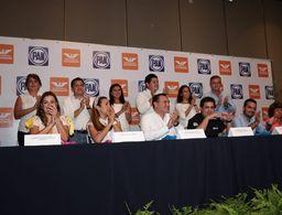 PAN da como ganador en Mérida a Renán Barrera