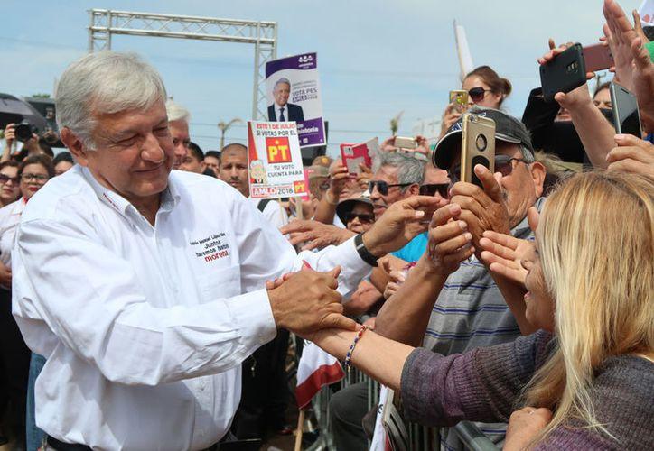 Andrés Manuel López Obrador afirmó que él no es nadie para hacer recomendaciones a los demás. (Notimex)