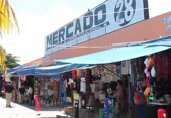 La agente detuvo al sujeto a la altura de Plaza Bonita, ubicada en el mercado 28. (Contexto/SIPSE)