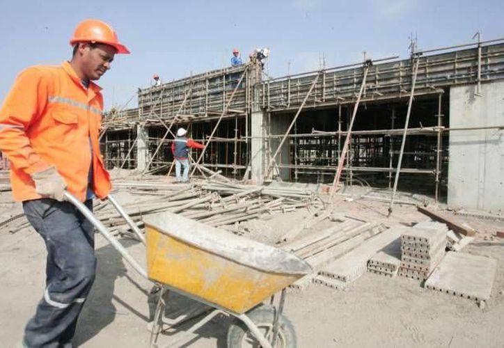 Autoridades de Solidaridad buscan  seguridad física y un ambiente higiénico para los trabajadores de la construcción. (Contexto/Internet)