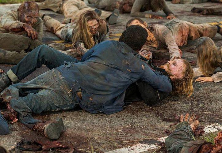 La séptima temporada de 'The Walking Dead' tendrá 16 episodios, divididos por un receso que comenzará el próximo nueve de diciembre. (Facebook)