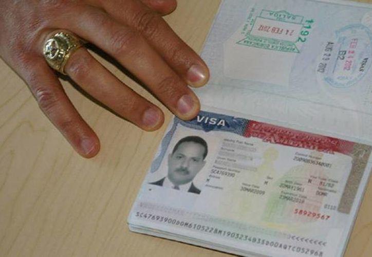 Más de mil trabajadores que esperan obtener la visa tipo H-2A están en moteles en la zona fronteriza de México. (info7.mx)