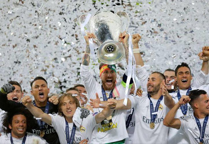 En un partido de poder a poder disputado en el estadio de San Siro se vivió la final de la Champions League: Real Madrid es campeón de Europa. (AP)