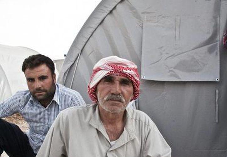 Cerca de 70 mil personas han encontrado refugio en el distrito de la provincia turca de mayoría kurda de Sanliurfa, cerca de la frontera con Siria. (Notimex)