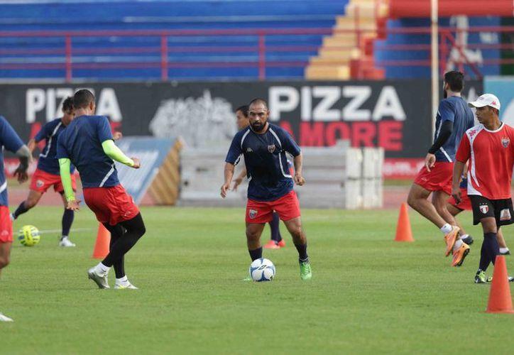 El equipo azulgrana se declaró listo para visitar esta noche a Venados de Mérida. (Raúl Caballero/SIPSE)