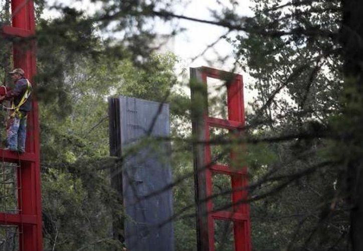 Las placas fueron instaladas conforme al orden de los árboles que ya estaban en el terreno. (unionjalisco.mx)