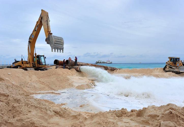El próximo año vence la MIA promovida por la CFE para el proyecto de recuperación de playas integral en Playa del Carmen. (Archivo)