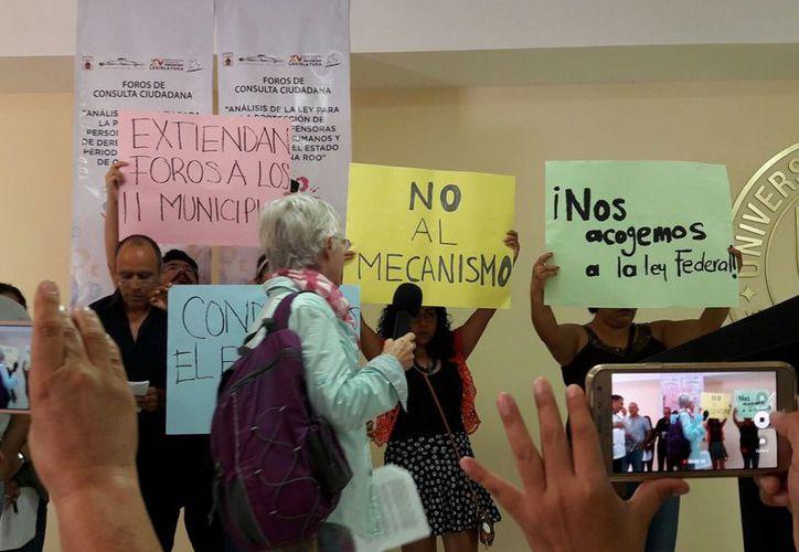 Los foros se llevaron a cabo en la Universidad del Sur. (César Muñoz/SIPSE)