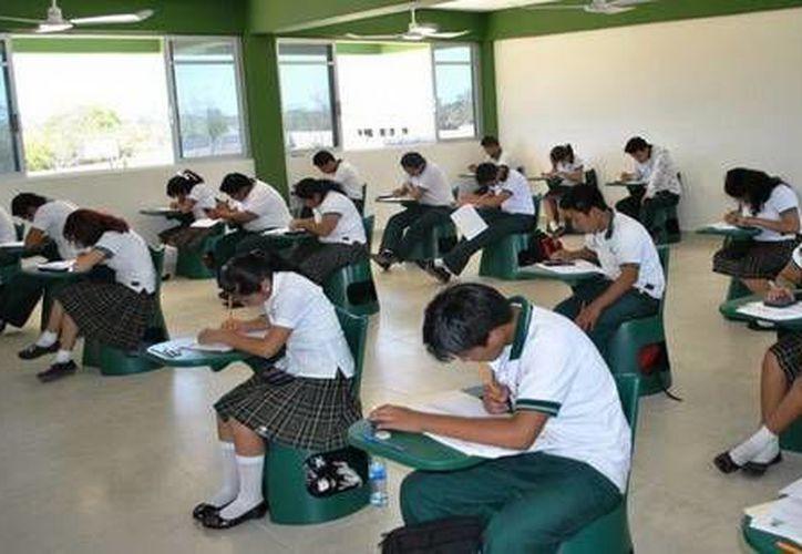 Alumnos de Conalep podrán realizar su servicio social y prácticas profesionales de su especialidad. (Contexto/Internet)