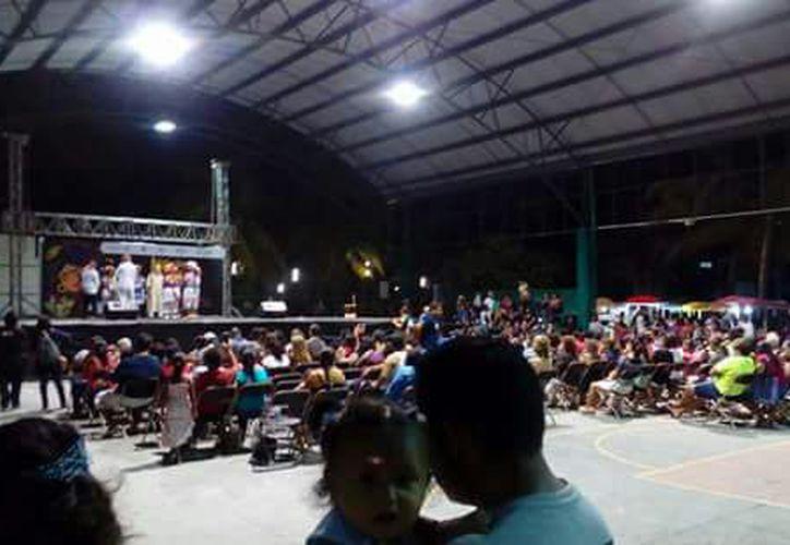 Los jóvenes se dieron cita en las instalaciones del Centro Poder Joven. (Jesús Caamal/SIPSE)