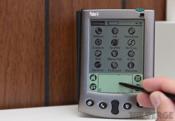 """Como podemos ver, el Palm """"Pepito"""" es bastante simple. La pantalla es muy pequeña, de un estimado de 3.3 pulgadas. (Foto: Contexto/Internet)"""