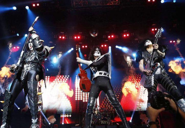 Los integrantes de la agrupación estadounidense Kiss se iban a presentar en el evento. (EFE/Archivo)