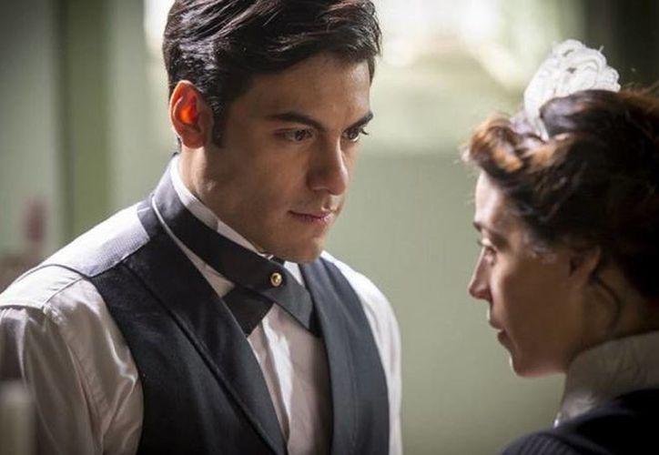 Carlos Rivera destacó que por el momento se enfocará en terminar las grabaciones de 'El hotel de los secretos'. (westwoodent.com)