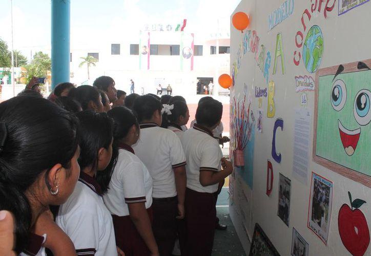 Se desarrollaron diversas actividades educativas en la sede del evento. (Gloria Poot/SIPSE)