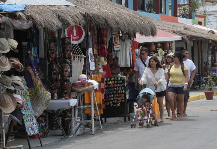 Más del 50% de los comercios no cuentan con la Licencia de Funcionamiento en Puerto Morelos. (Tomás Álvarez/SIPSE)