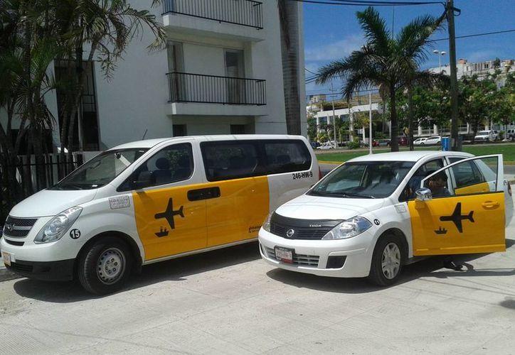 Ya se encuentran operado las empresas Greenline y Yellow Transfers, por lo que ahora serán tres las que ofrezcan el servicio de transporte. (Licety Díaz/SIPSE)