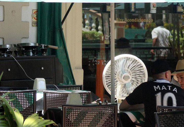 Los restaurantes de Mérida aún no 'sienten' en sus ventas el periodo vacacional. Sin embargo, confían en que el hecho de que este año sean más largas, les deje ganancias. (Milenio Novedades)