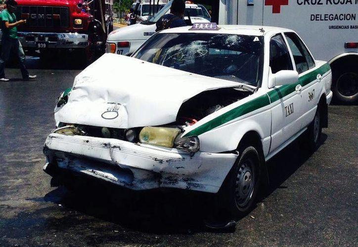 El accidente ocurrió sobre la avenida López Portillo. (Redacción/SIPSE)