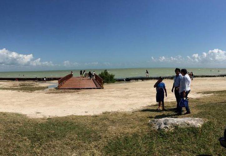 En la playa artificial Dos Mulas, el avance de las obras es del 65%.  (Harold Alcocer/SIPSE)