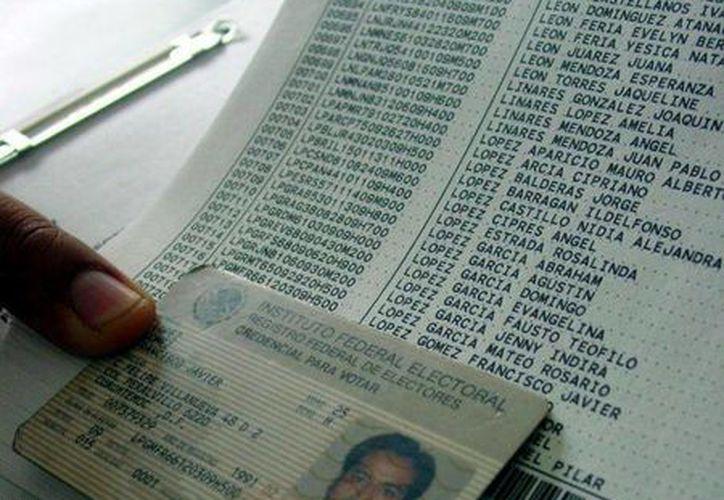 Aunque sus módulos no den servicio el IFE atiende a la ciudadanía a través de su número telefónico y de su portal en internet. (Agencias/Contexto)