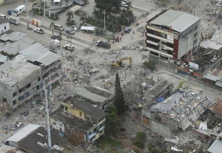 El 16 de abril, zonas de las provincias de Esmeraldas y Manabí se vieron afectadas por un terremoto de magnitud de 7.8 que dejó 670 fallecidos. (Archivo/Excélsior)