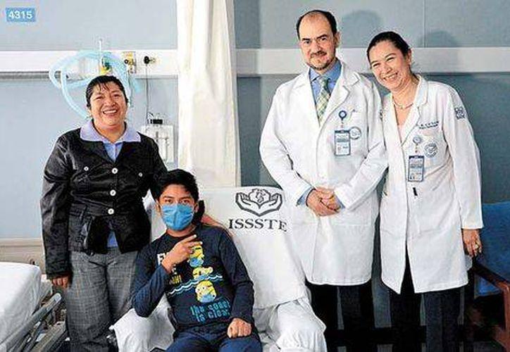 Actualmente Jasiel Cruz tiene 16 años y fue operado en el hospital 20 de Noviembre. (Foto: Issste)