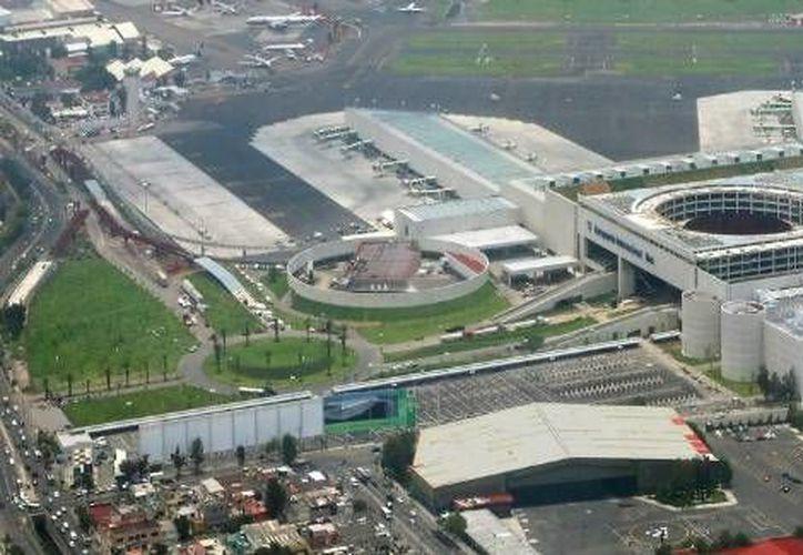El costo de la Tarifa de Uso Aeroportuario (TUA) representa en algunas rutas hasta 42 por ciento del valor del boleto. (Milenio Digital)