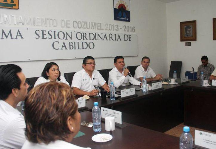 Los integrantes del Cabildo participaron en la Décima Sesión Ordinaria. (Cortesía/SIPSE)