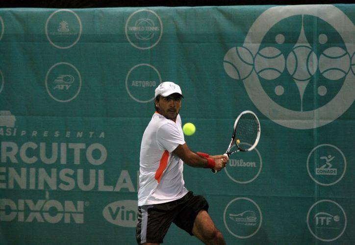 Miguel Gallardo perdió por parciales de 6-2 y 6-3. (SIPSE)