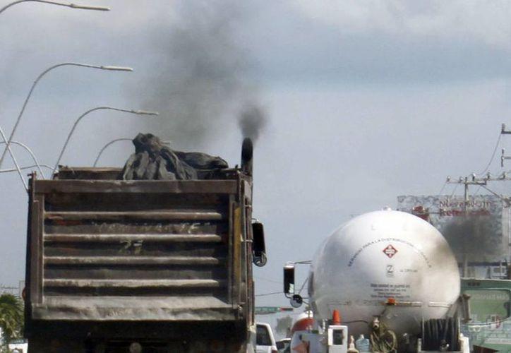 Los rebrotes más agresivos y constantes de la enfermedad se relacionan a la exposición del aire contaminado. (Sergio Orozco/SIPSE)