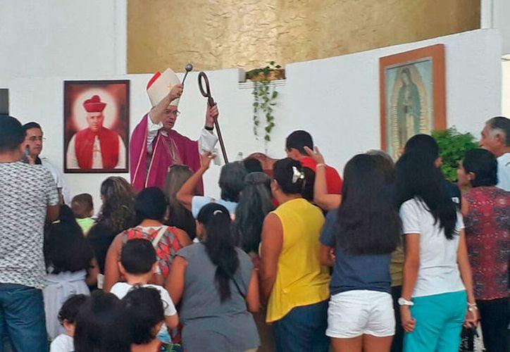 Pedro Pablo Elizondo pidió a la población unirse en favor de causas justas. (Sajhid Domínguez/SIPSE)