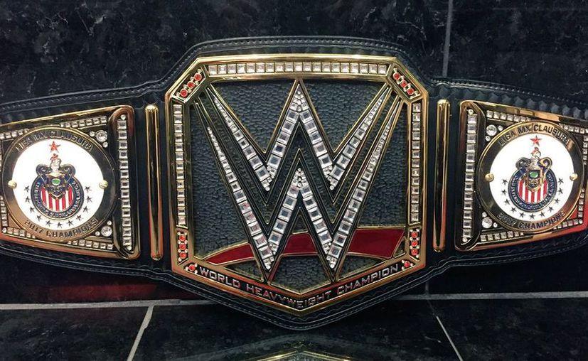 Desde mayo pasado la WWE dio a conocer que dedicaría el cinturón al campeón del Clausura 2017. (Foto: Twitter)