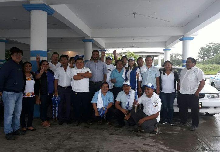 Los taxistas ofrecieron su apoyo a la candidata para las elecciones del 1 de julio. (Cortesía)