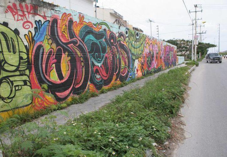 Con actividades artísticas buscan alejar a los jóvenes de la delincuencia. (Tomás Álvarez/SIPSE)