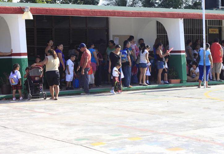 Las fichas serán para niños que concluirán la educación preescolar y primaria. (Benjamín Pat/SIPSE)
