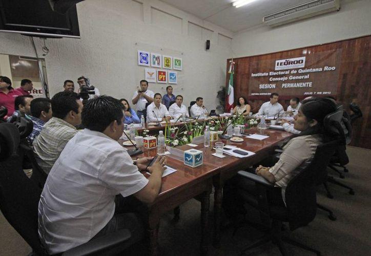 El Consejero Presidente del Ieqroo agradeció a empresas e insaculados la participación. (SIPSE)