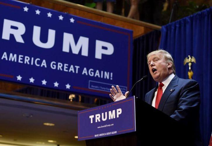 Donald Trump hizo oficial su aspiración a la candidatura republicana por la Casa Blanca este miércoles. En el acto, hizo declaraciones desafortunadas sobre los mexicanos inmigrantes. (EFE)