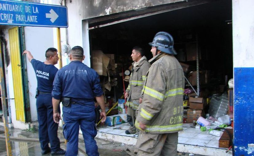 La conflagración dejó como saldo pérdidas materiales incuantificables. (Manuel Salazar/SIPSE)