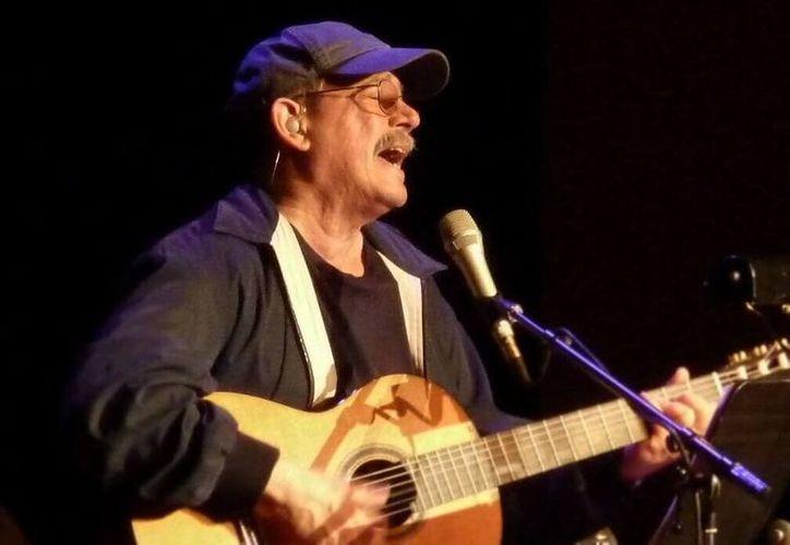 Con toda una vida como músico, el cantautor Silvio Rodríguez será uno de los invitados de honor al Festival de la Trova en Mérida (Fotos Instagram)
