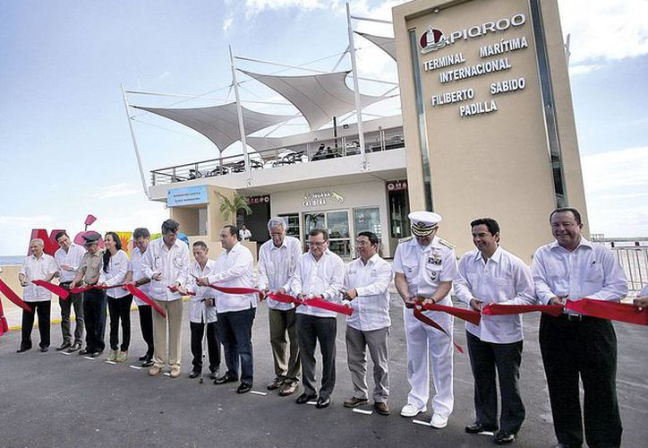 Inauguran la nueva y moderna terminal marítima internacional de Chetumal. (Redacción/SIPSE)