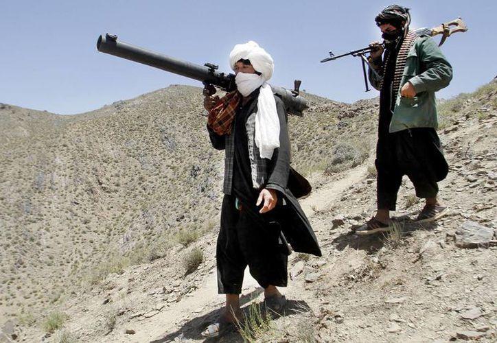 Imagen de dos miembros del grupo Talibán en la provincia de Herat, Afganistán. (Agencias)