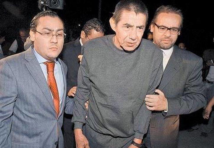 El general Dauahare al salir de la prisión del Altiplano en abril de este año. (Milenio)