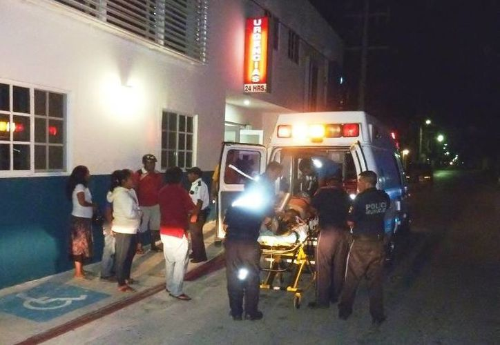 Una hombre que intentó suicidarse fue trasladado  al Hospital General luego de ser rechazado en una clínica privada. (Redacción/SIPSE)