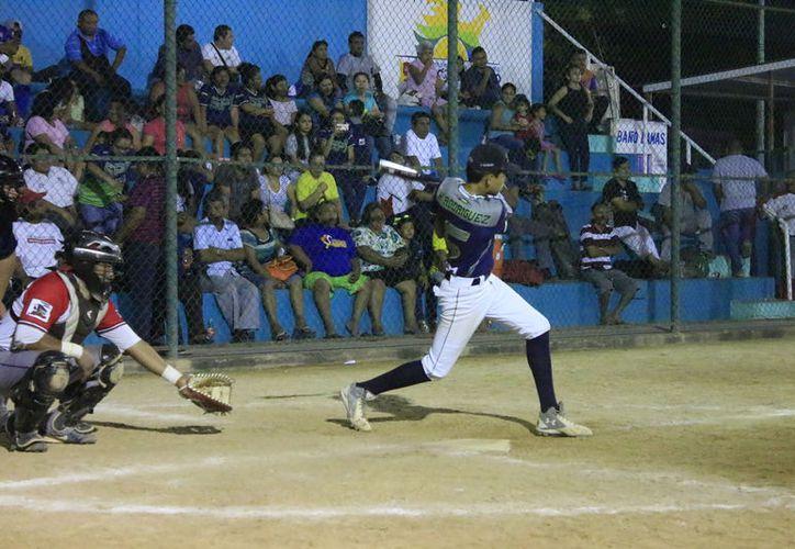Vibrantes cotejos dieron forma a la actividad de la séptima fecha del máximo circuito del rey de los deportes en la zona rural de Othón P. Blanco. (Miguel Maldonado/SIPSE)
