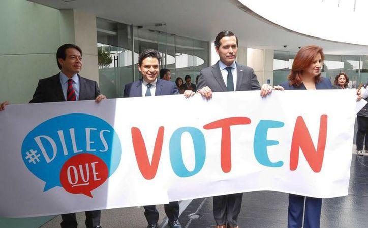 Los senadores crearon el hashtag #dilesquevoten para difundir la iniciativa. (Facebook/Senado de la República)