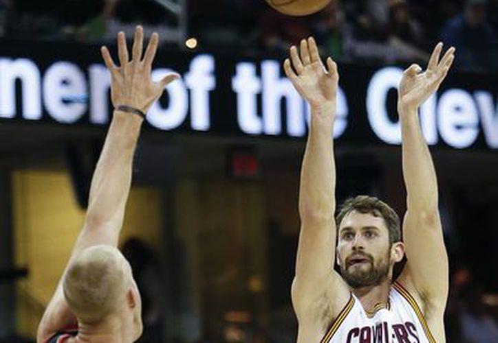 Nadie había hecho 34 puntos en un primer cuarto en algún partido de la NBA. Hoy lo consiguió Kevin Love. (AP)