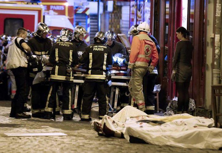 La matanza de noviembre en París conmocionó al mundo entero. Hoy, EU confirmó la muerte de 10 extremistas del EI vinculados a estos atentados. (Archivo/AP)