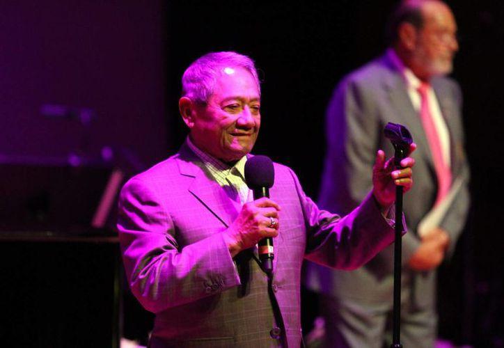 El yucateco Armando Manzanero, quien acaba de cumplir 80 años, fue reelecto para presidir la Sociedad de Autores y Compositores de México. (Notimex)