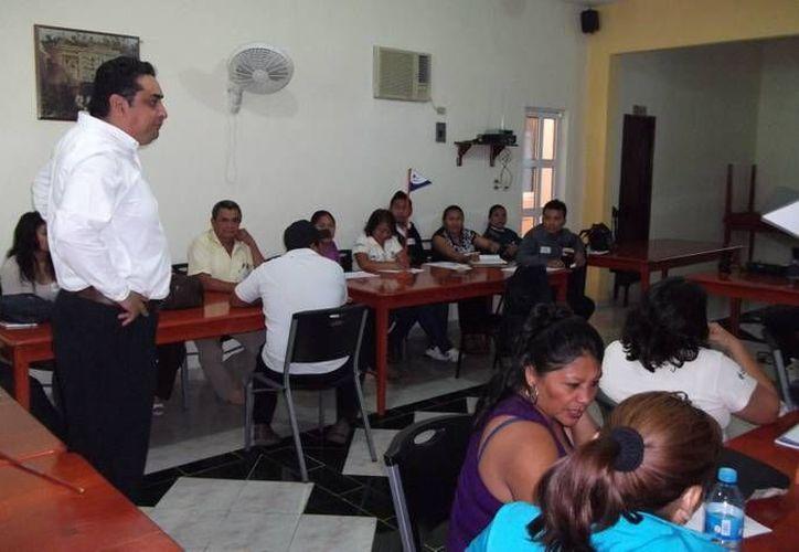 El curso que impartió personal de la Conagua a representantes de municipios. (Cortesía)